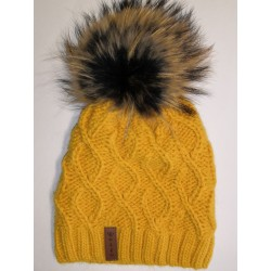 Zimná pletená vlnená čiapka žltá