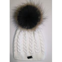 Zimná pletená vlnená čiapka biela