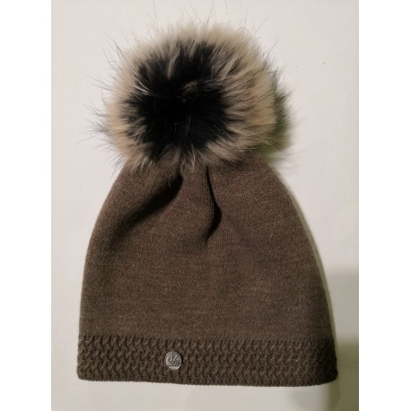 Zimní pletená vlněná čepice hnědá
