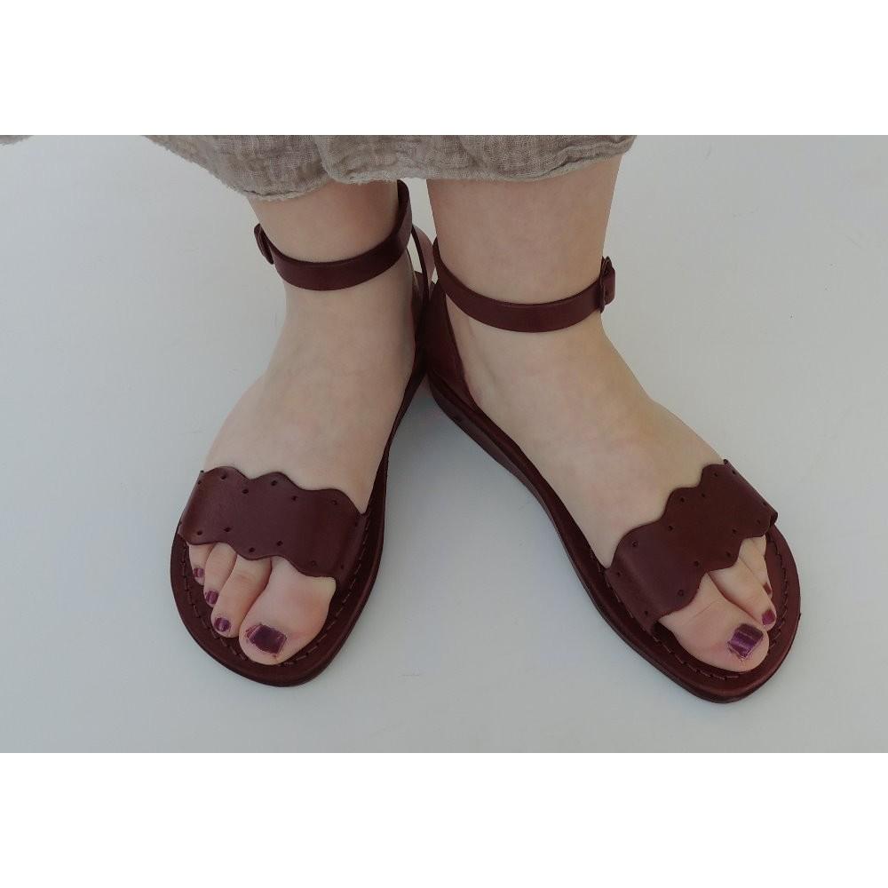 ae7bf1acaac1fe Dámské kožené sandály Neferiti - Faraon-sandals.cz